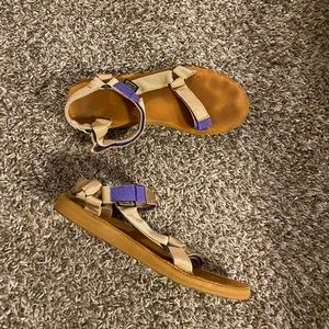 Teva Universal Sandals shoes size 11 women's